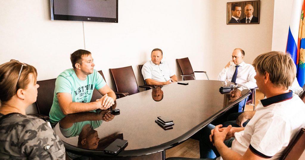 Жители Майского встретились с властями Тамбовского района. Фото пресс-службы администрации Тамбовского района