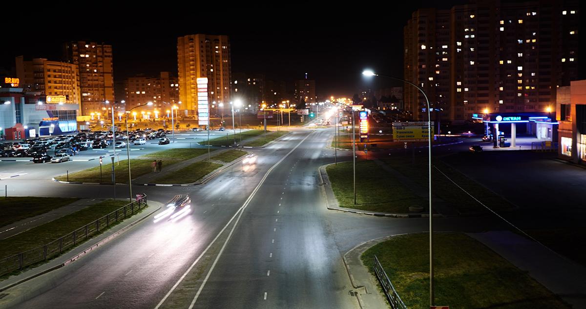 Мичуринская ночью. Фото Виктора Котельникова