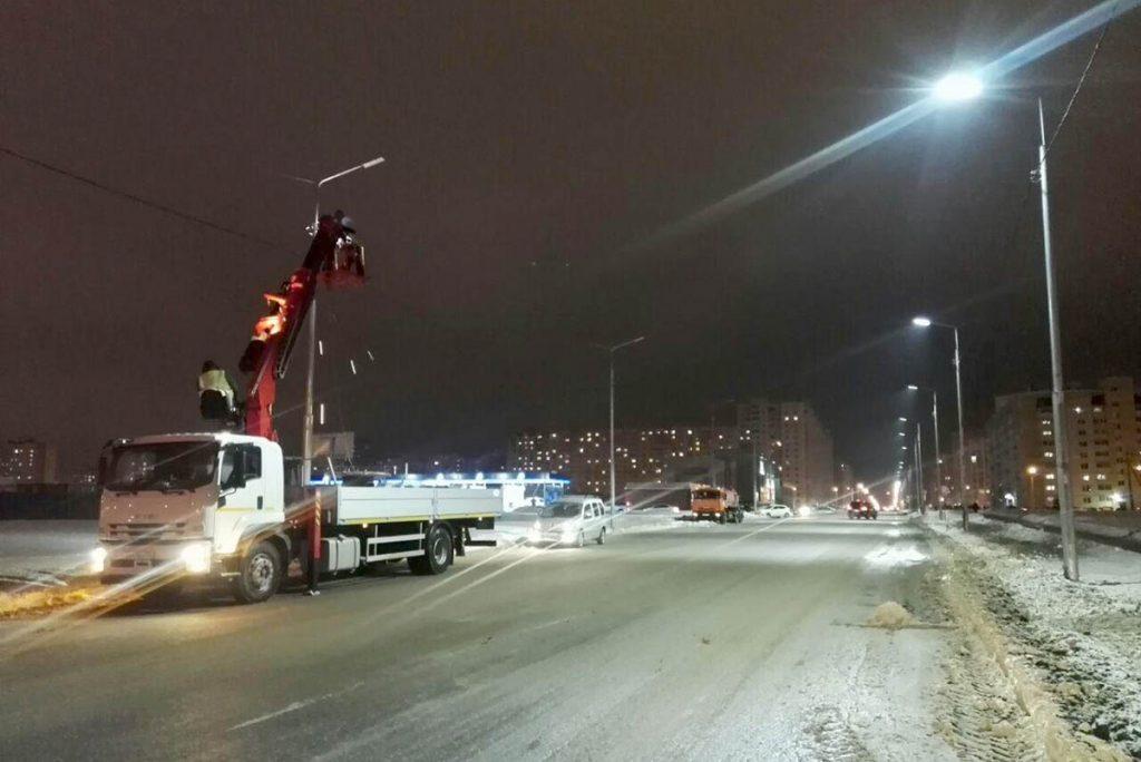 Установка уличного освещения на Агапкина, фото Сергея Жилина - Новый Тамбов