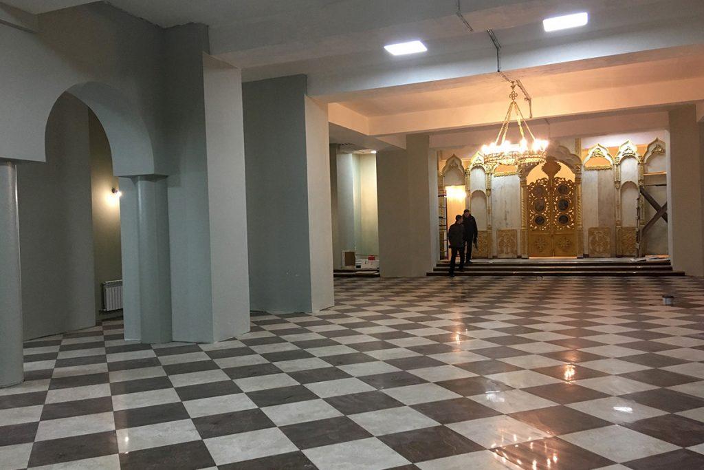 Нижний храм Серафима Саровского в Радужном