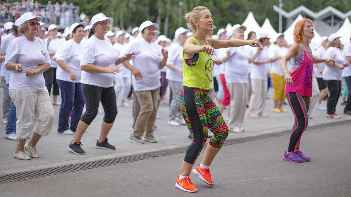 Танцующие пенсионеры