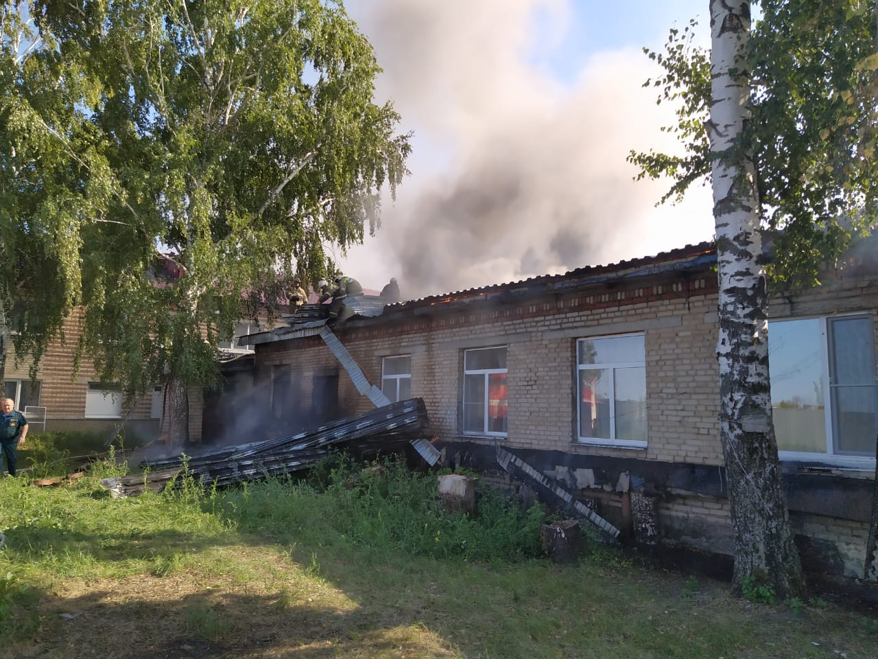 Пожар в Орешке - фото МЧС