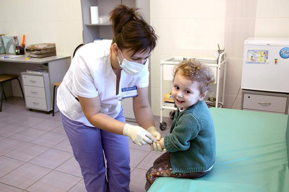 Вакцинация детей. Фото happy-baby-world.ru