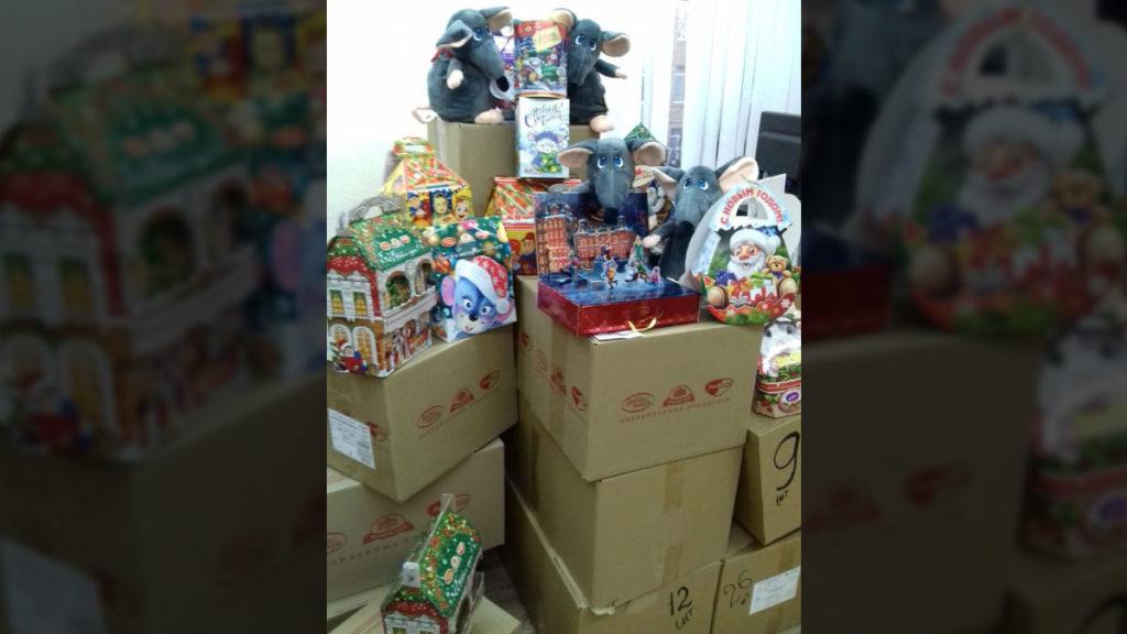 Дети из Донецка и Луганска получат новогодние подарки из Тамбова