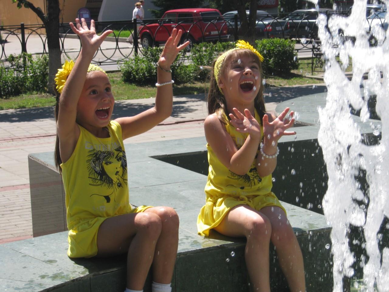 Дети у фонтана - Тамбов