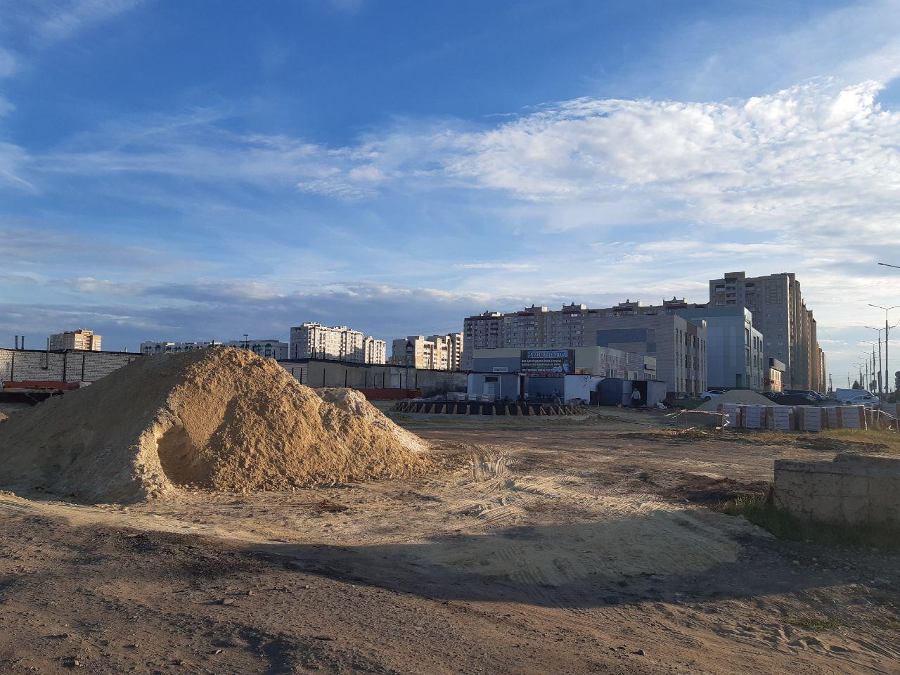 Строительство сквера на Агапкина