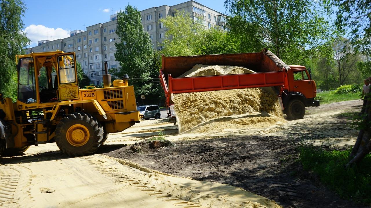 Строительство площадки для выгула собак, фото пресс-службы администрации города Тамбова
