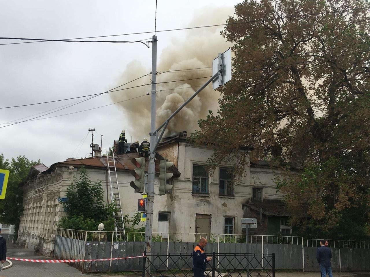 Пожар в доме Свирчевского, фото Михаила Карасева