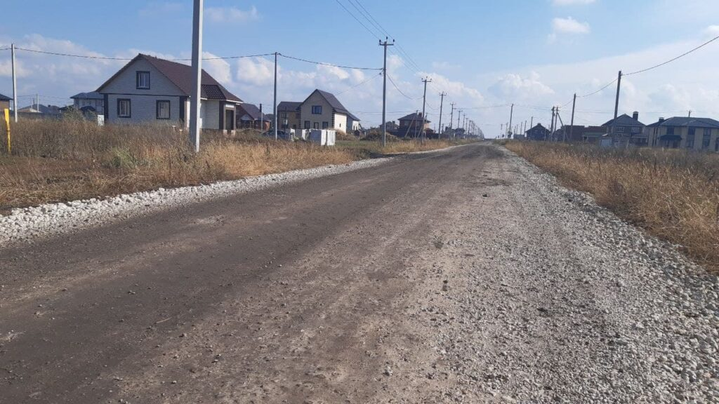 Недостроенная улица Александровская в Майском -- Новый Тамбов