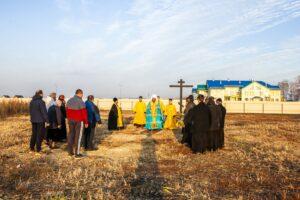 Освящение креста в Майском