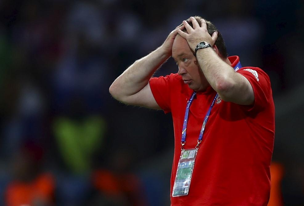 Главный тренер сборной России Леонид Слуцкий все-таки вывел нашу команду на Евро, но блеснуть там нашим парням было не суждено