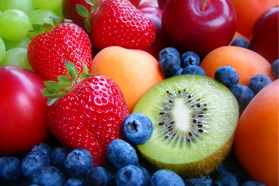 Лучше есть больше фруктов и овощей, чем принимать лишние витамины