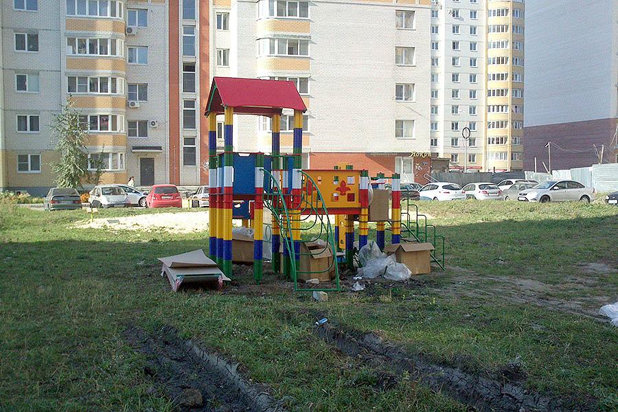 Детская площадка на улице Ореховой, 18,20 в Тамбове