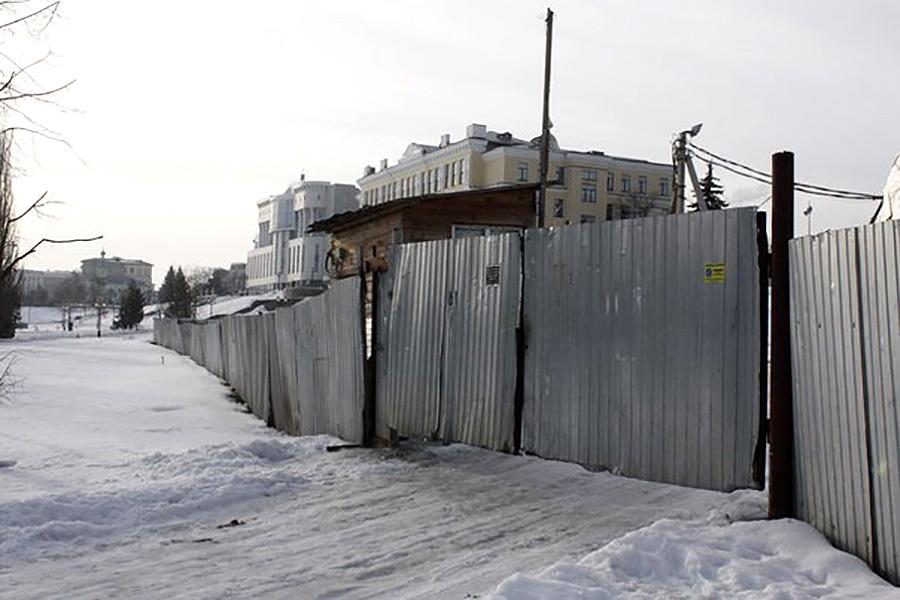 Стройплощадка у ТРЦ РИО. Фото ОнлайнТамбов.ру