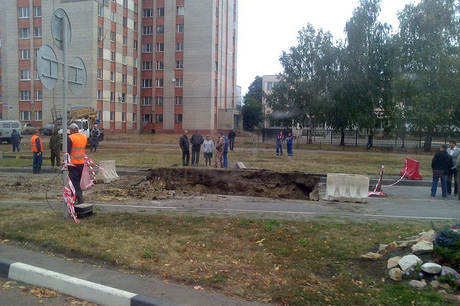 Ремонт тепломагистрале на Рылеева