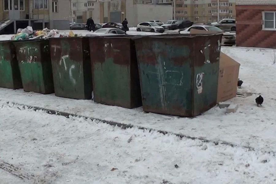 Мусорная площадка на улице Глазкова
