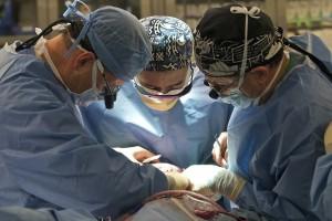 Операция, врачи.