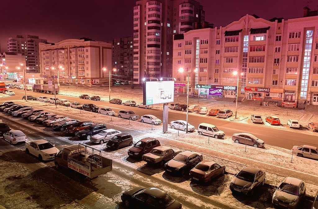 Ночная улица Чичерина. Фото Виталия Рехтина.