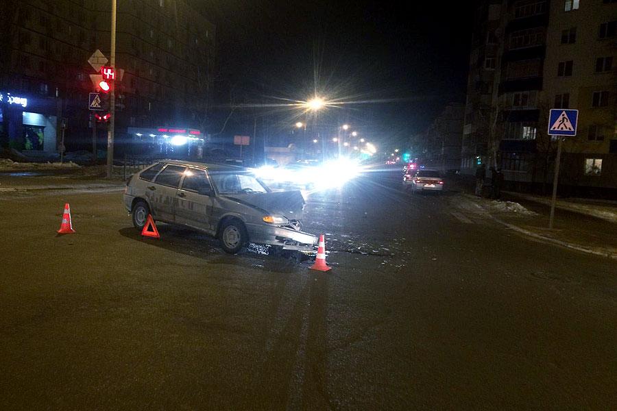 8 февраля 2016, 20:27. ДТП на пересечении улиц Карла Маркса и Чичканова в Тамбове