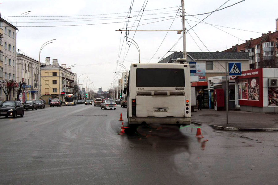 1 марта 2016, 10:15. ДТП в Тамбове на улице Советской напротив дома 7А
