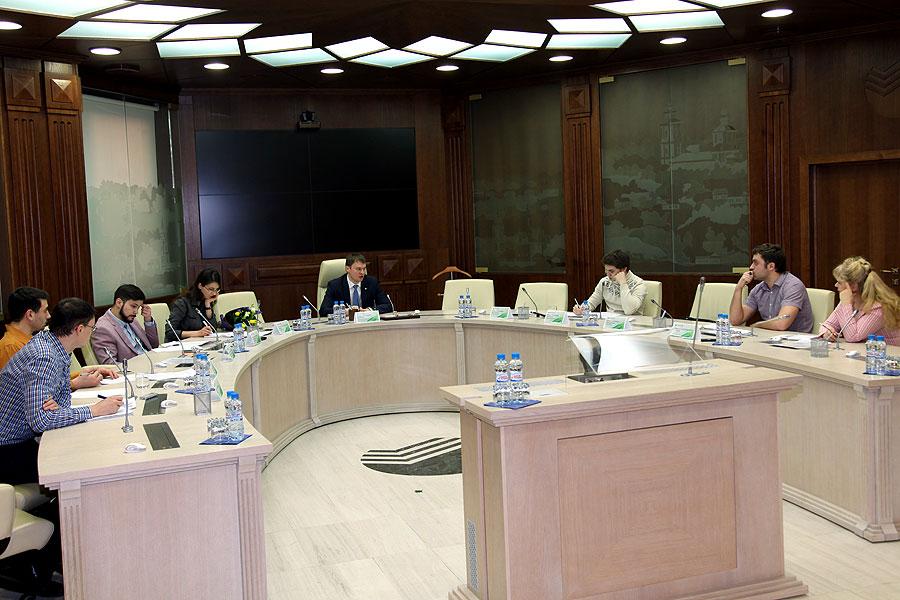 Заместитель Председателя Центрально-Черноземного банка ПАО Сбербанк Денис Баленко провел брифинг для журналистов региональных СМИ
