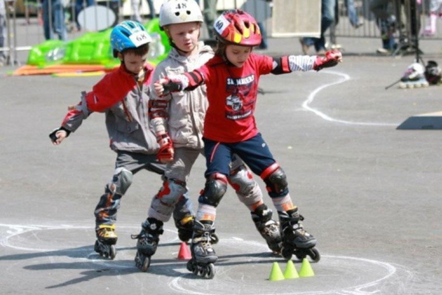 Роликовые коньки можно подобрать для взрослых и детей
