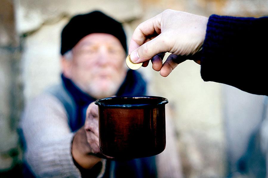 В Минфине предлагают ввести пособия по бедности