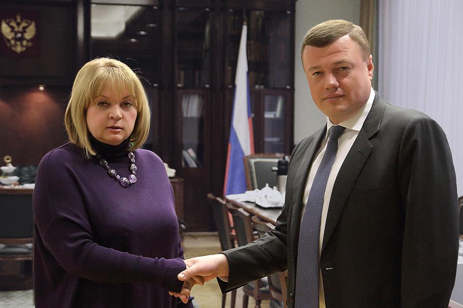 Встреча Никитина и Памфиловой. Фото ЦИК.