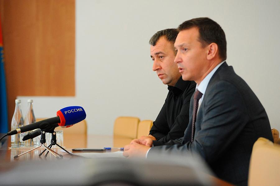Брифинг Александра Филатова и Арсена Габуева. Фото Алексея Сухорукова