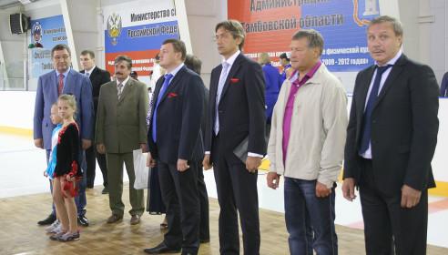 Прославленный вратарь Сергей Мыльников