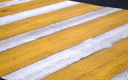 Пешеходные переходы Тамбова раскрасили в желтый цвет