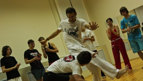 Тамбовскую молодежь научат развлекаться c умом. Фото с сайта dommolodeji.ru