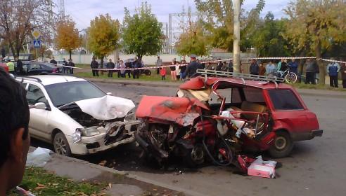 Авария в Тамбове на улице Гагарина 5 октября 2012 года. Фото tamboff.ru