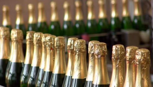 Шампанское в России подорожает минимум до 115 рублей