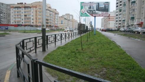 Забор вдоль улицы Чичерина в Тамбове