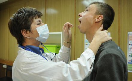 Взрослых россиян будут проверять у врача каждые три года