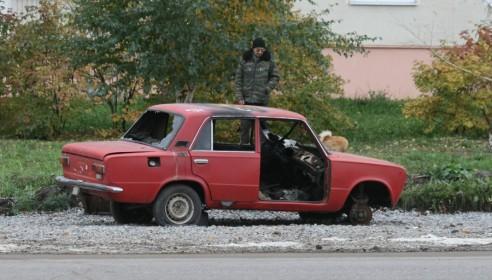 Сгоревший автомобиль на Рылеева