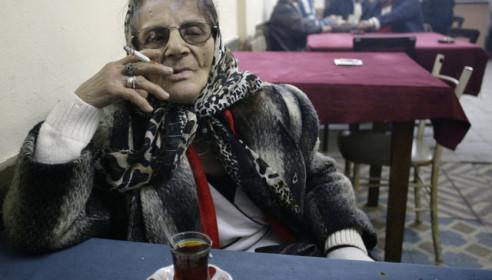 Запрет на курение в общественных местах. Фото newsboy.ru