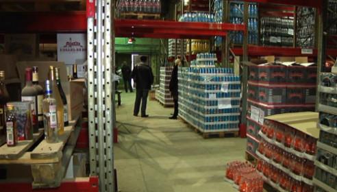 """В Тамбове арестовали более 30 тысяч бутылок """"паленого"""" алкоголя"""