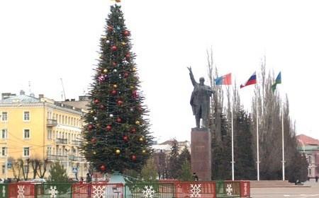 Елка на площали Ленина, Тамбов