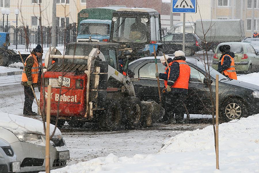 Уборка улиц зимой