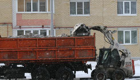 Дорожникам не хватает техники, чтобы ликвидировать последствия вчерашнего снегопада