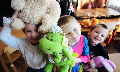 Россиян поддерживаю запрет на усыновление, но сами усыновлять не спешат
