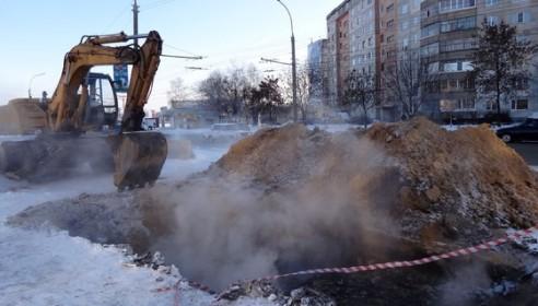 Авария на теплосетях на бульваре Энтузиастов. Фото vtambove.ru
