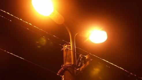 У школы №36 появилось долгожданное уличное освещение