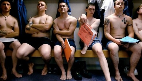 Геев в российской армии будут выявлять по татуировкам на гениталиях