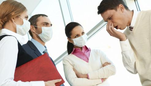 Тамбовчанам предлагают повсюду носить медицинские маски