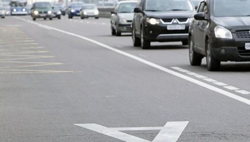 Легковушки с пассажирами не пустят на выделенные полосы