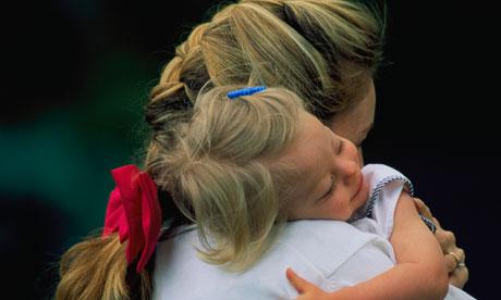За усыновление детей-инвалидов предлагают платить пособие в 100 тысяч рублей