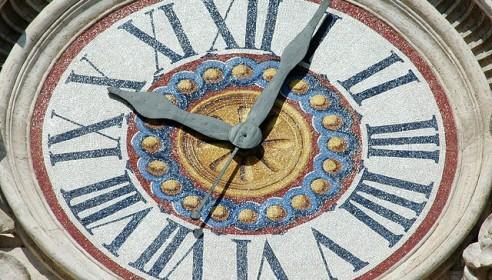 Перевод часов на зимнее время произойдет в 2013 году